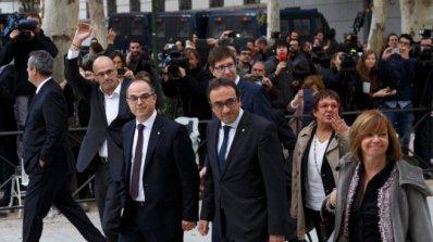Каталунски ексминистър плати гаранцията си и ще бъде освободен от затвора