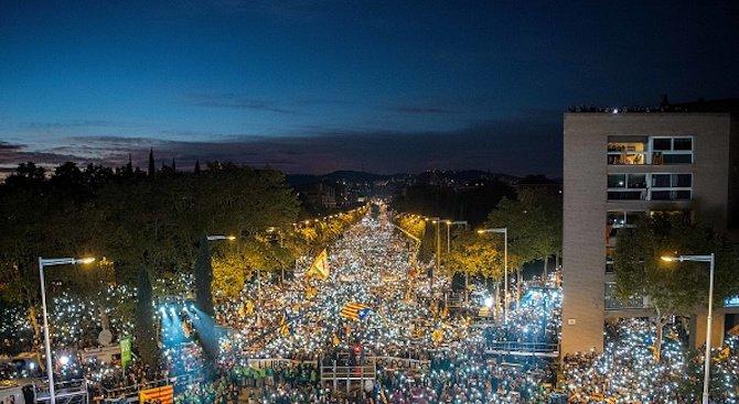 Кметицата на Барселона обвини Пучдемон, че е довел Каталуния до катастрофа