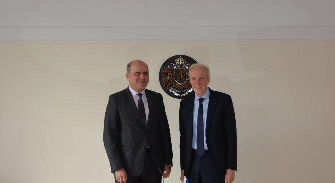 Министър Петков обсъди подготовката на Европредседателството с представители на ЕК