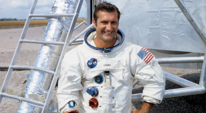 Почина астронавтът Ричард Гордън