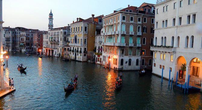 Турист с жалба до кмета на Венеция, платил 526 евро за обяд