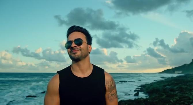 """""""Despacito"""" е големият победител на наградите Латино Грами"""