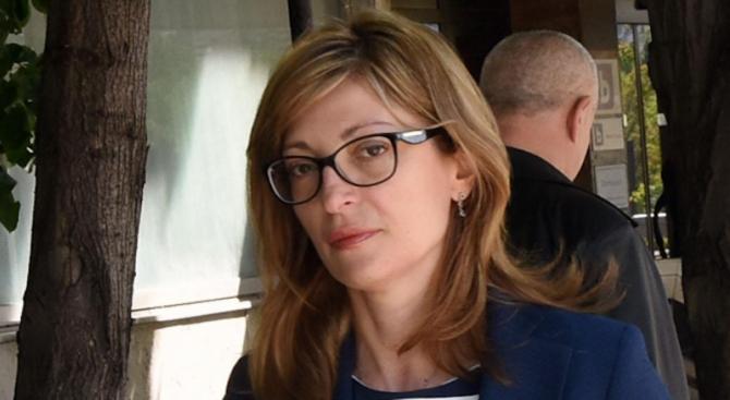 Екатерина Захариева отива на официално посещение в Кувейт