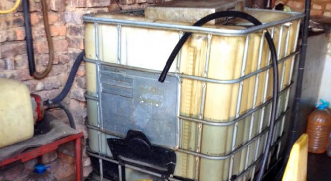 Митничари задържаха 13 152 кг газ пропан-бутан и над 7000 литра горива без документи