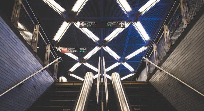Видео от метрото на Ню Йорк разбуни духовете в мрежата