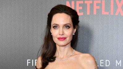 Жените искат вежди като на Анджелина Джоли