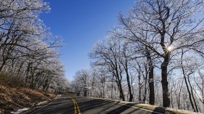 От днес шофьорите в България са задължени да карат със зимни гуми