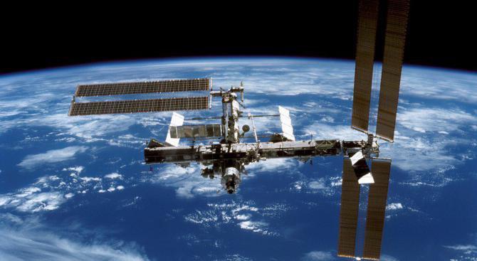Откриха живи бактерии от космоса по повърхността на международната станция