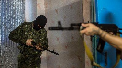 Баща на убит украинец хвърли гранати в съд