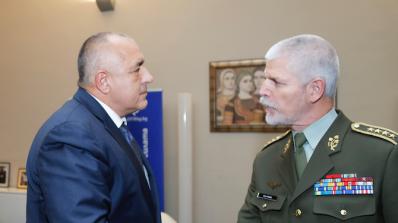 Борисов се срещна с шефа на Военния комитет на НАТО ген. Петър Павел (снимки)