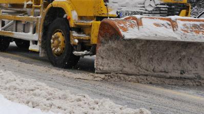 Силен снеговалеж в половин България! АПИ съветва: Карайте внимателно! (обновена+видео)