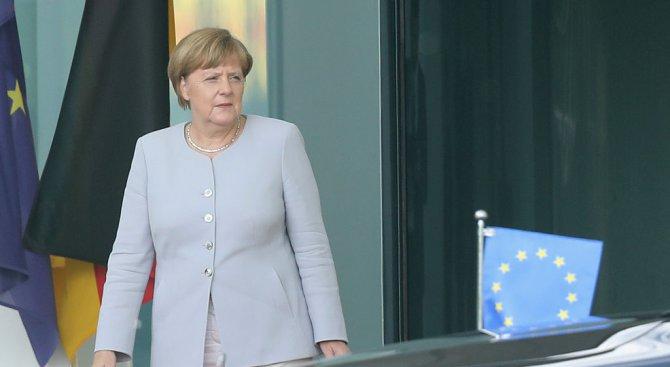 """Германски съд: """"Бесенето"""" на Ангела Меркел е законно"""