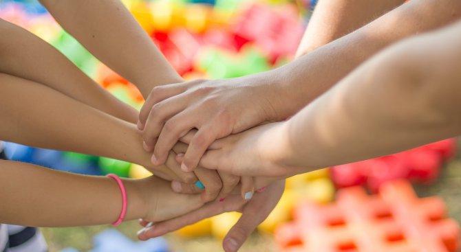 Ученици организираха благотворителен базар в Кубрат