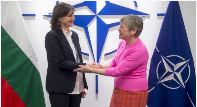 Заместник-министър Кралева се срещна със заместник-генералния секретар на НАТО