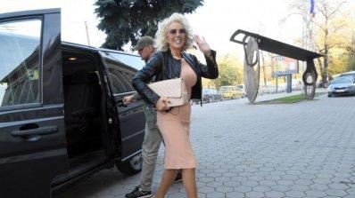 Лепа Брена отлага концерта си в София поради здравословни причини