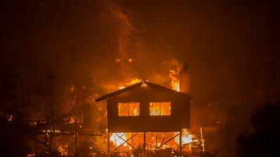 Тръмп обяви извънредно положение в щата Калифорния заради пожарите
