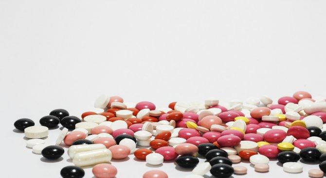 Фармацевти: Има риск пациенти да останат без лекарства по празниците