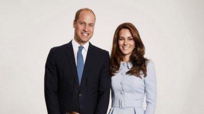 Можете ли да откриете фотошоп гафа от коледната картичка на Кейт и Уилям?