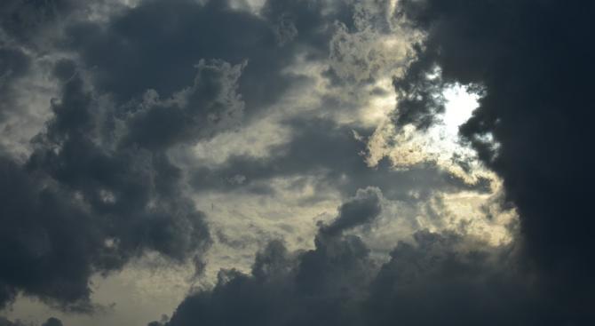 Утре ще преобладава облачно време