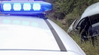 Дядо удари колата си в пътен знак и загина