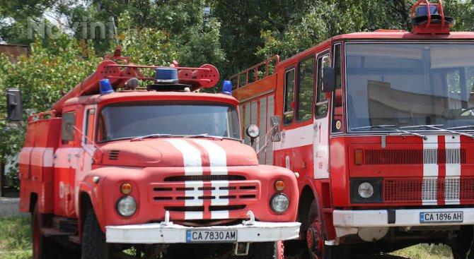 59-годишен загина при пожар в постройка, изградена от подръчни средства