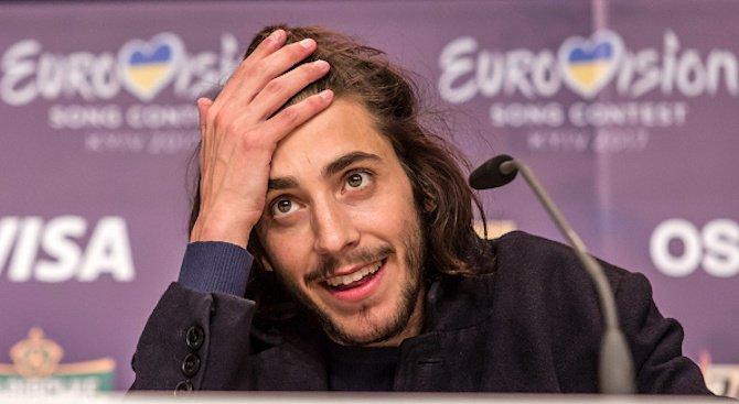 Победителят от Евровизия се завърна у дома с ново сърце