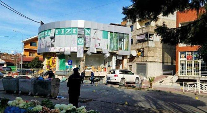 Седем ранени след взрив в албанския град Шкодра (видео)