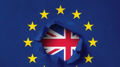 Британски министри: ЕС рискува глобална банкова криза, ако блокира сделката за Брекзит
