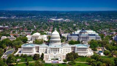 САЩ: Русия управлява шест центъра в България