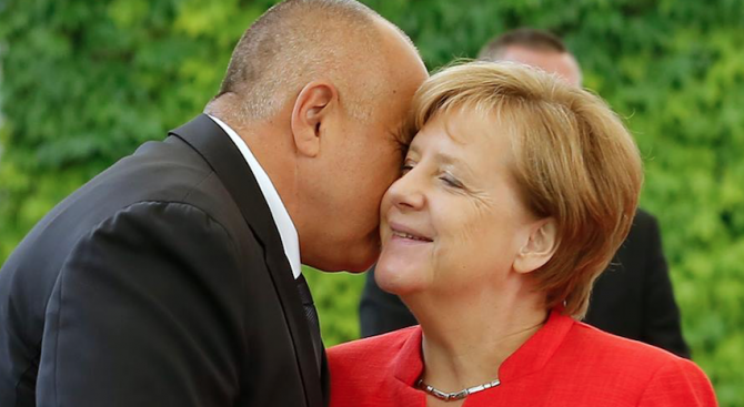 Резултат с изображение за меркел целува борисов