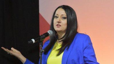 Лиляна Павлова поведе дискусията  за бъдещето на света на български