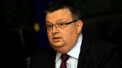 Сотир Цацаров разпореди мащабна проверка заради осъдени, които не са в затворите