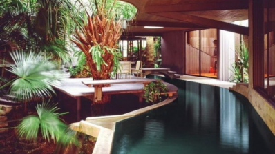 Река вместо коридор свързва стаите на къща в Маями (снимка)