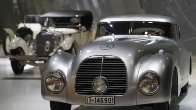Mercedes посочи топ 5 на най-луксозните си автомобили (видео)