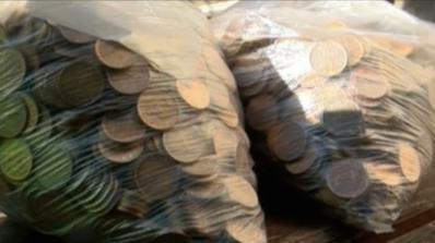 Великотърновец плати годишната си винетка с жълти стотинки (видео)