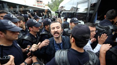 Масови арести в Турция заради критики срещу военната операция в Африн