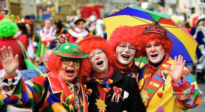 Арестуваха 150 клоуна на карнавала в Рио