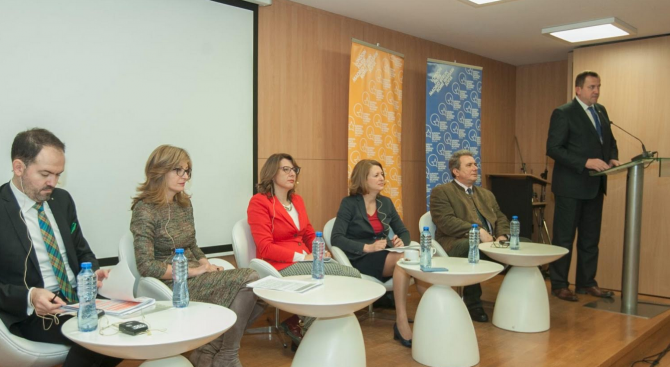 Екатерина Захариева: Реформите по пътя към ЕС не са леки
