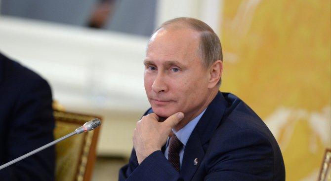 Путин разговаря по телефона със саудитския крал
