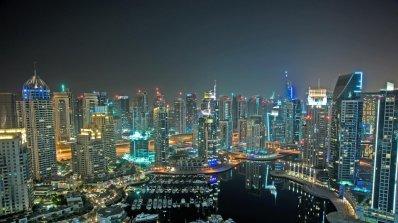 Дубай отвори най-високия хотел в света (снимки)