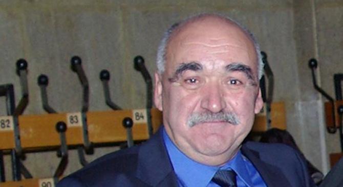 Проф. Камен Плочев е приет по спешност в болница