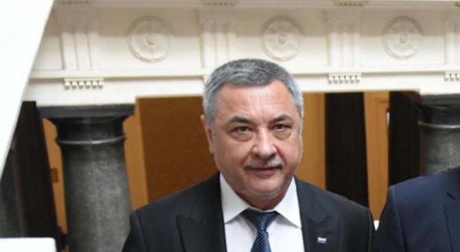 Валери Симеонов: В парламентарната ни група отдавна зрее напрежение