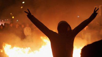 Атина стана бойно поле (видео)