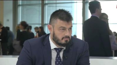 Бареков: Късите пасчета между Радев и Борисов възраждат двуполюсния модел