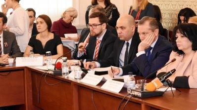 Нито един лев от банката не е ангажиран със сделката за ЧЕЗ, каза шефът на Българска банка за развит
