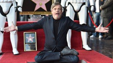 Марк Хамил, прочул се с ролята на Люк Скайуокър, получи звезда на Алеята на славата (снимки)