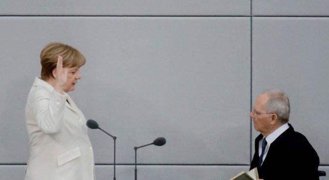 Ангела Меркел положи клетва (видео+снимки)