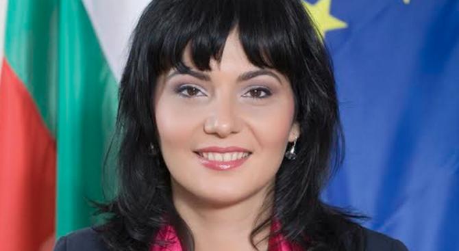 Доц. Асена Стоименова: Европейските граждани трябва да имат равнопоставен достъп до лекарства