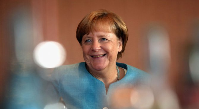 Меркел ни хвали за диалога със съседите