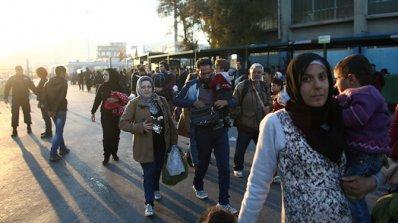 11 бежанци бяха ранени след сблъсъци на о. Лесбос
